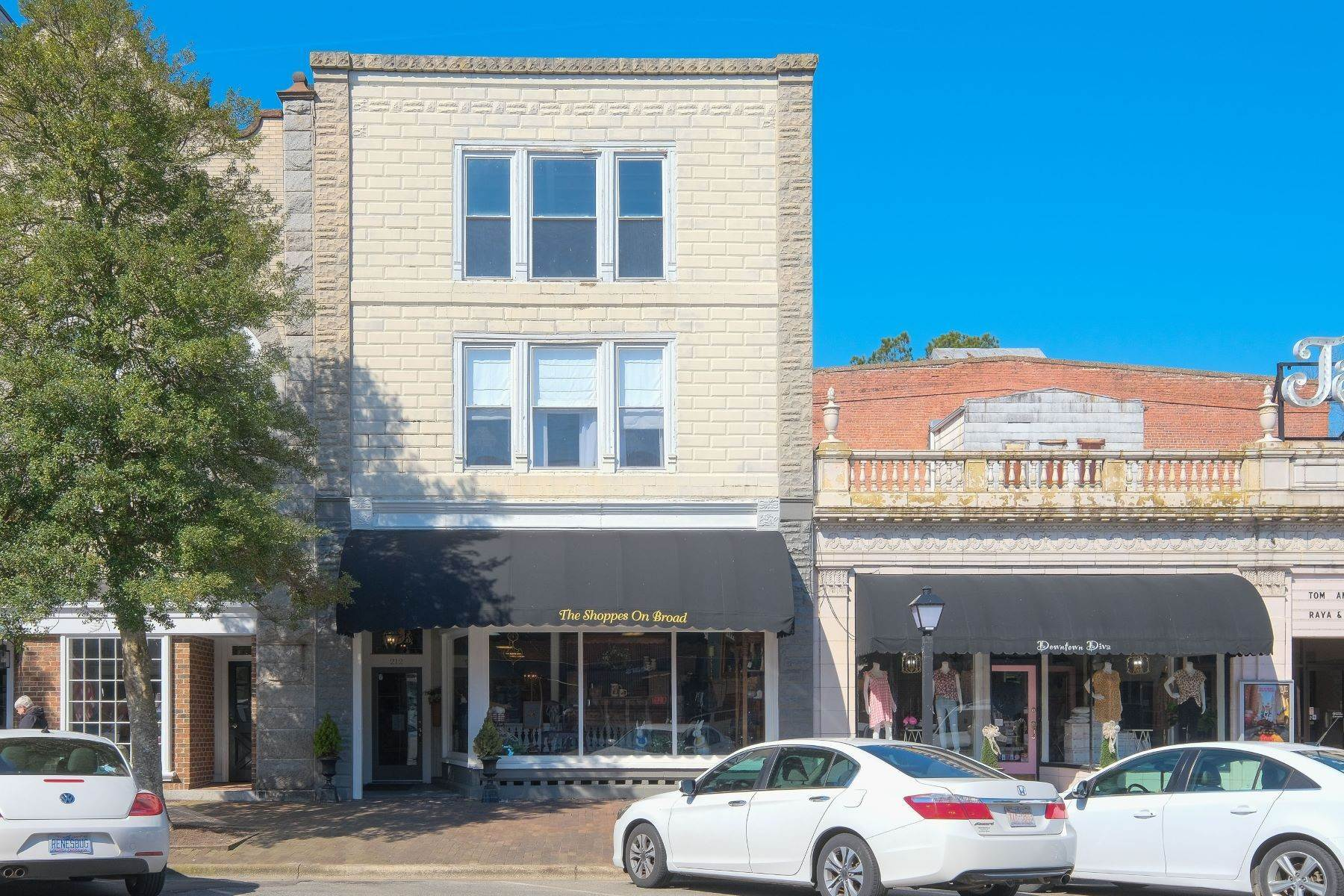 Apartments for Sale at Live / Work Investment Opportunity 212 S Broad St Edenton, North Carolina 27932 United States