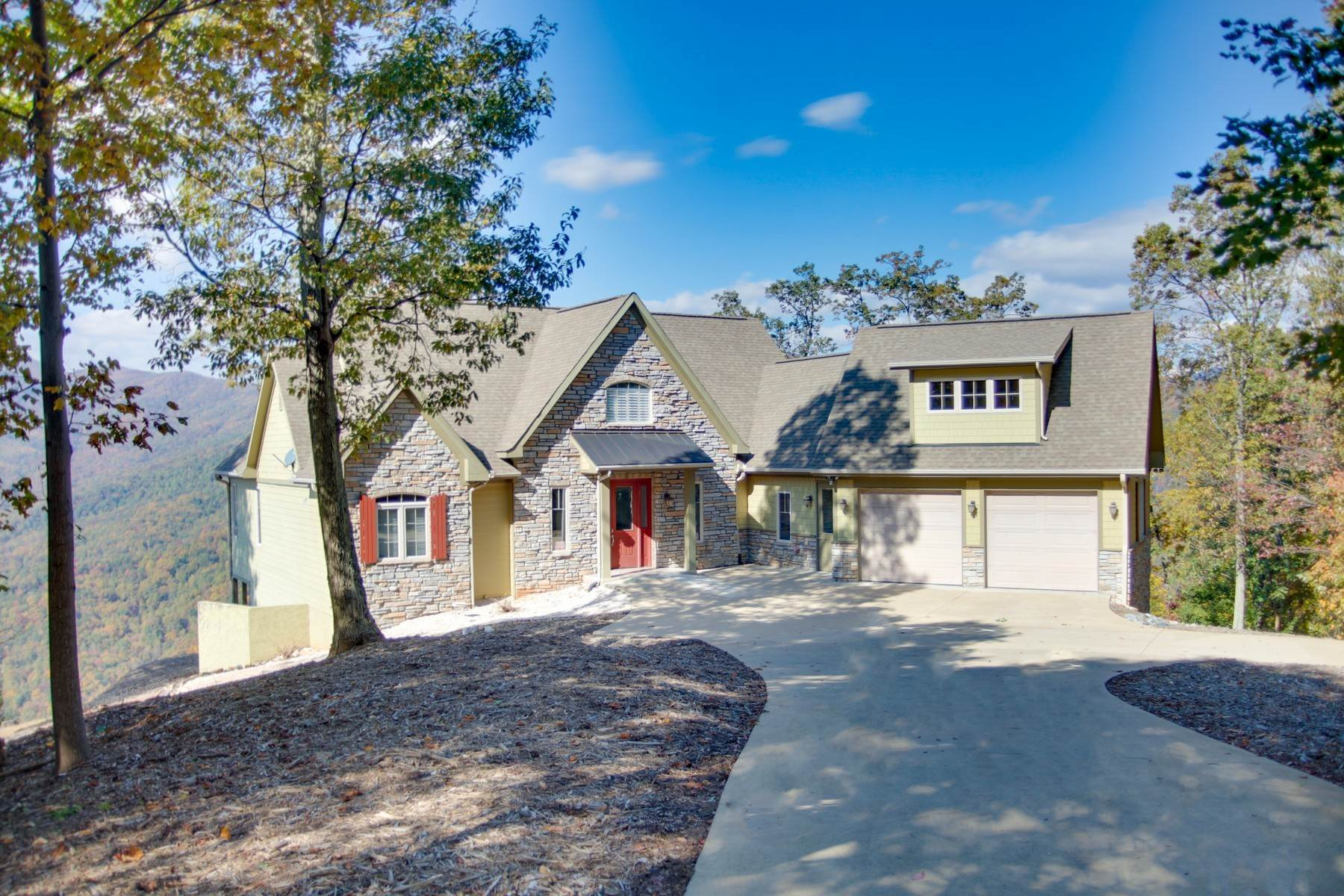 Single Family Homes for Sale at Remarkable Mountain Home 231 Tatanka Trail Lake Lure, North Carolina 28746 United States