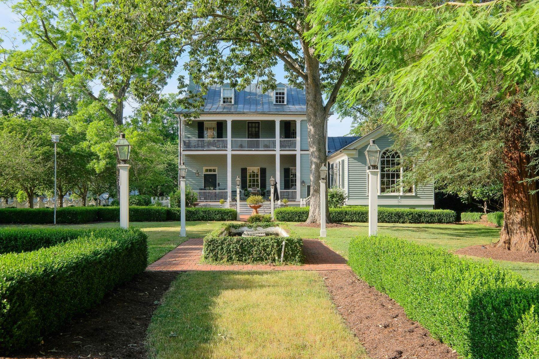 Property for Sale at The Skinner Paxton House 115 West King Street Edenton, North Carolina 27932 United States