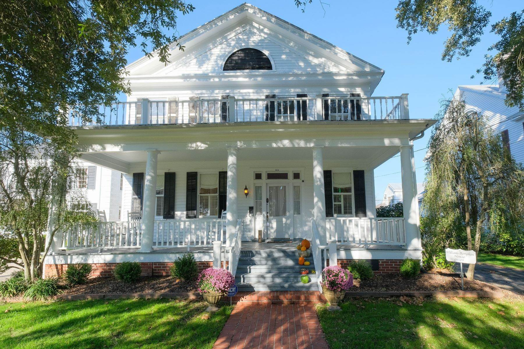 Single Family Homes for Sale at DOWNTOWN COLONIAL REVIVAL 102 W Gale St Edenton, North Carolina 27932 United States